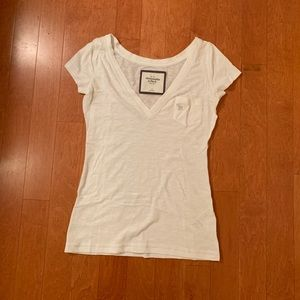 abercrombie small white vneck t-shirt, pocket